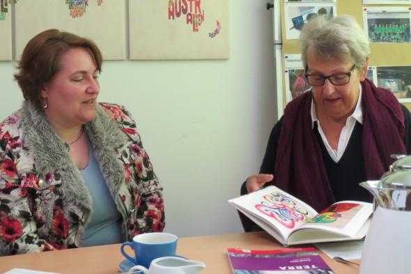 Iris Strunk (Oberschule) und Heike Lund (SPD) im Gespräch.